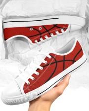 Basketball - Baskteball shoe Men's Low Top White Shoes aos-complex-men-white-low-shoes-lifestyle-01