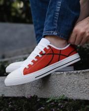 Basketball - Baskteball shoe Men's Low Top White Shoes aos-complex-men-white-low-shoes-lifestyle-03