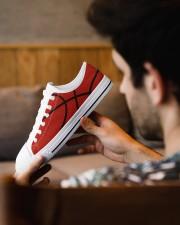 Basketball - Baskteball shoe Men's Low Top White Shoes aos-complex-men-white-low-shoes-lifestyle-10