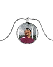 that smile Metallic Circle Necklace front