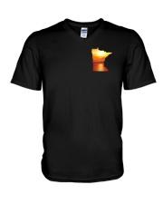 Minnesota USA Flag lakesun VK campfire 3PT V-Neck T-Shirt thumbnail