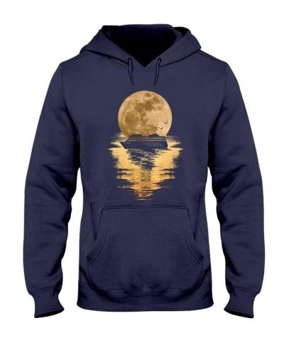 Cruise moon