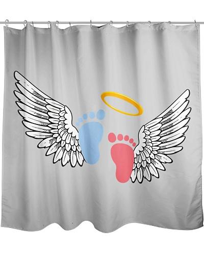 Funny angel foot wingspan bird