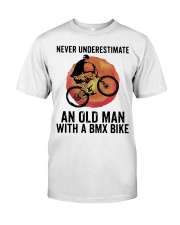 Vintage Never Underestimate An Old Man Shirt Classic T-Shirt thumbnail