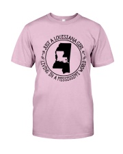 LOUISIANA GIRL LIVING IN A MISSISSIPPI WORLD Classic T-Shirt thumbnail