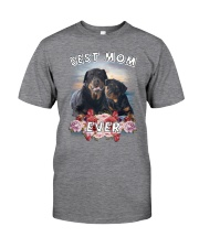 Rottweiler Best Mom Classic T-Shirt front