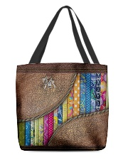 Love Quilting All-over Tote back