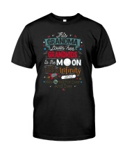 This Grandma Lover Her Grandkids To The Moon And B Classic T-Shirt front