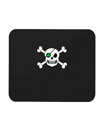 Skull Shamrock Pirate St Patrick is Day Green Clov