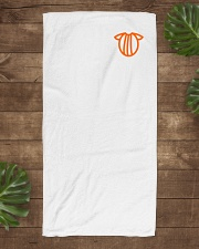 logo big Beach Towel aos-towelbeach-vertical-front-lifestyle-1