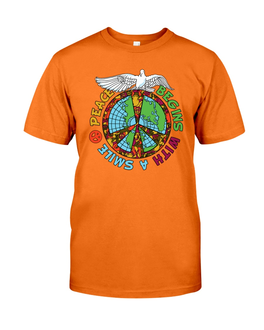 Peace begins with a smile Classic T-Shirt