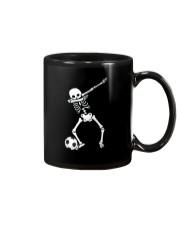 HALLOWEEN DABBING SKELETON SOCCER T-SHIRT Mug thumbnail