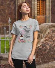 À Ma Fille Perfect Gift - Cadeau Parfait Classic T-Shirt apparel-classic-tshirt-lifestyle-06