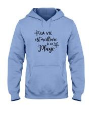 LA VIE EST MEILLEUR À LA PLAGE Hooded Sweatshirt thumbnail