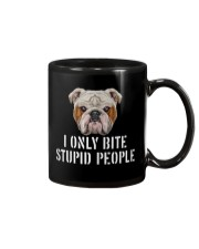 I Only Bite Stupid People bulldog Mug thumbnail