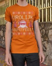VROLIJK KERSTFEEST SANTA Classic T-Shirt apparel-classic-tshirt-lifestyle-21