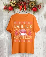 VROLIJK KERSTFEEST SANTA Classic T-Shirt lifestyle-holiday-crewneck-front-2