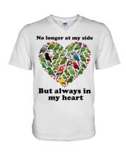 Parrot in my heart V-Neck T-Shirt thumbnail