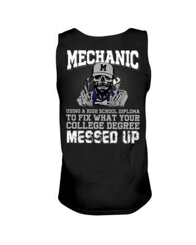 Mechanic Using A High School Diploma To Fix