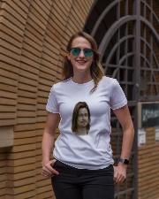 brad visage pitt Ladies T-Shirt lifestyle-women-crewneck-front-2