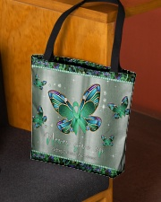 - Never Give Up pattern print  All-over Tote aos-all-over-tote-lifestyle-front-02