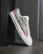 stack-glass-shoe Men's Low Top White Shoes aos-complex-men-white-high-low-shoes-lifestyle-outside-right-02