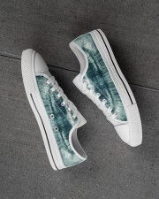 xray-teeth Men's Low Top White Shoes aos-complex-men-white-high-low-shoes-lifestyle-inside-left-outside-left-01