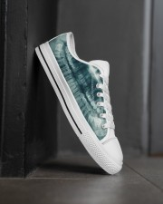 xray-teeth Men's Low Top White Shoes aos-complex-men-white-high-low-shoes-lifestyle-outside-right-02