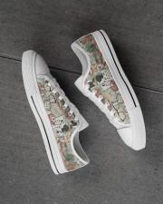 optometrist-glass-shoe Men's Low Top White Shoes aos-complex-men-white-high-low-shoes-lifestyle-inside-left-outside-left-01