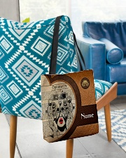 Lthr tote optometrist dvhd-nna All-over Tote aos-all-over-tote-lifestyle-front-01