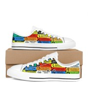 shoe-pharmacy label Men's Low Top White Shoes inside-right-outside-right