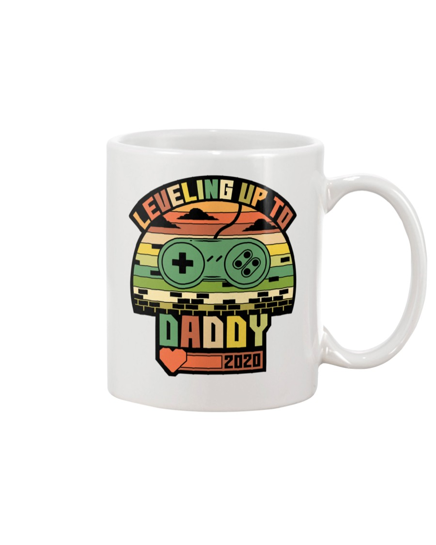 Leveled Up To Dad 2020 Mug