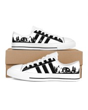 Black and white shoes Women's Low Top White Shoes tile