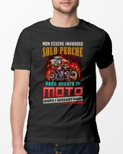 Motociclismo Classic T-Shirt lifestyle-mens-crewneck-front-13
