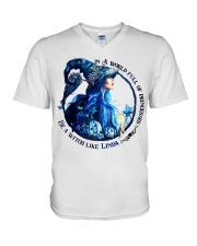 Linda - M007 V-Neck T-Shirt thumbnail