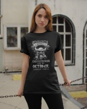 Oktober Geboren Wurde Classic T-Shirt apparel-classic-tshirt-lifestyle-19