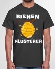 Bienen flüsterer Classic T-Shirt garment-tshirt-unisex-front-03