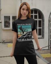 Warum ich ohne akku fahre Classic T-Shirt apparel-classic-tshirt-lifestyle-19