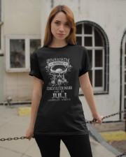 Juli Geboren Wurde Classic T-Shirt apparel-classic-tshirt-lifestyle-19