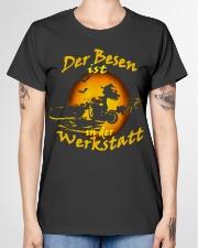 Der Besen ist in der Werkstatt Ladies T-Shirt garment-tshirt-ladies-front-01