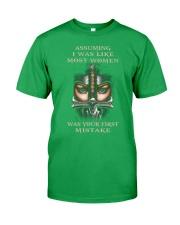 Swordwoman US T-shirt Classic T-Shirt thumbnail
