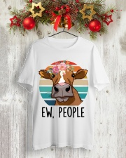 Farmer - Ew People Classic T-Shirt lifestyle-holiday-crewneck-front-2