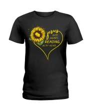 Librarian - Reading in my veins Ladies T-Shirt thumbnail