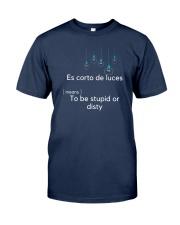 Spanish slang: Es corto de luces Classic T-Shirt thumbnail