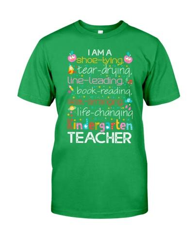I AM A KINDERGARTEN TEACHER