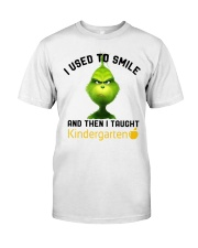 GRINCH WITH KIDS Classic T-Shirt front