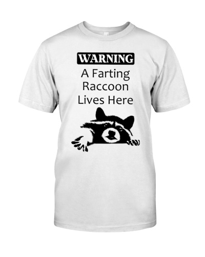 A FARTING RACCOON