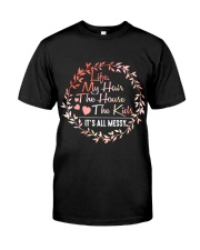 MOM LIFE  Classic T-Shirt front