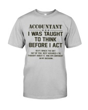 AM A LOVING ACCOUNTANT Classic T-Shirt front