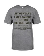 AM A LOVING ACCOUNTANT Classic T-Shirt tile